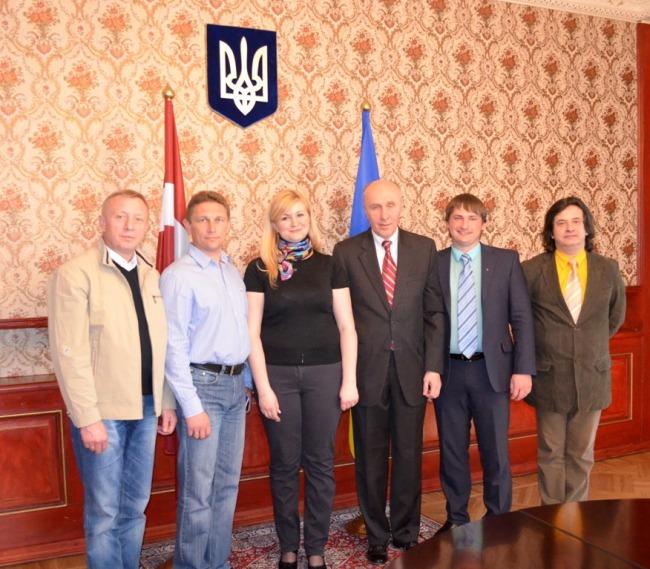 Українська делегація у Латвії
